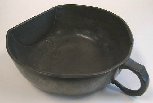 Beautiful late 17th century, early 18th century pewter bleeding bowl.  Unmarked, probably English in origin.